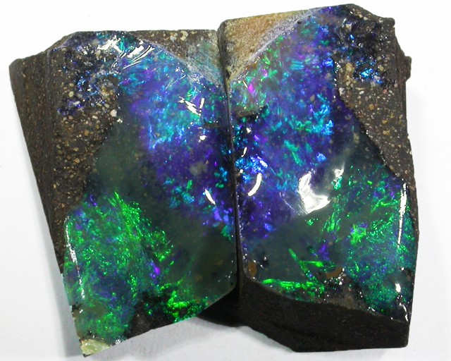 Pair good Boulder opals    QOM1604