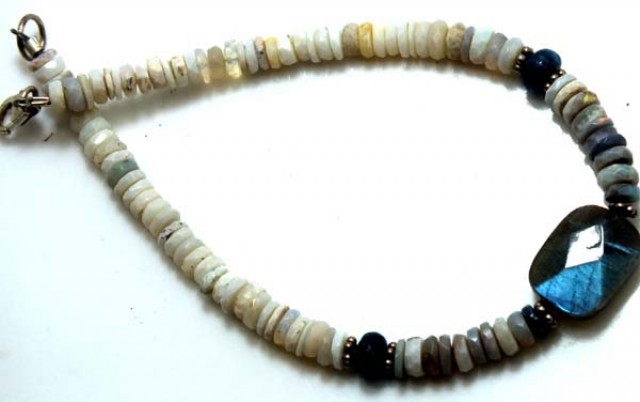 WHITE OPAL WITH LABRADORITE BRACELET 32 CTS OF-971