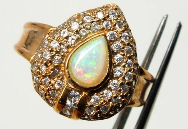 CRYSTAL OPAL GOLD PLATED RING 22.2 CTS OF-987