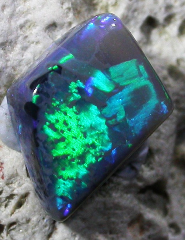 1.55 CTS  ÇHINESE WRITTING'' SOLID OPAL  [SO5882]