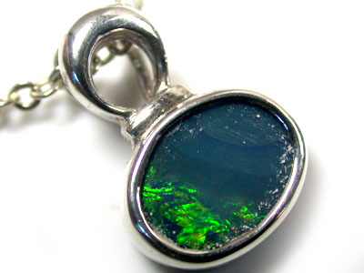 BEAUTIFUL GREEN FIRE DOUBLET OPAL PENDANT SCO1556