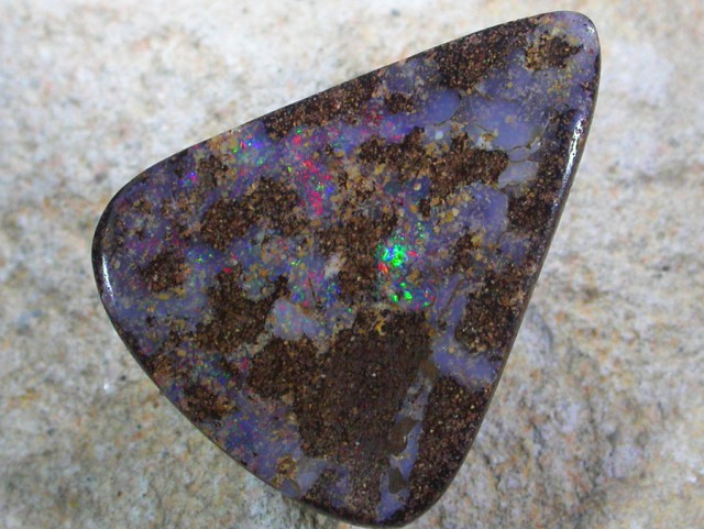 30.95 CTS BOULDER OPAL-FREE SHIPPING. [LMS347]