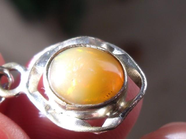 Welo opal gem silver pendant
