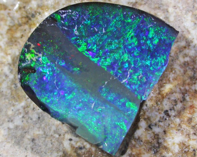 3.95CT  RUBBED BOULDER OPAL [CR24]