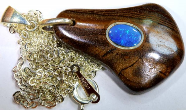 BOULDER OPAL INLAYED PENDANT 35   CTS OF-1083