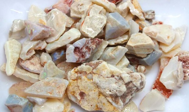 250 CTS WHITE OPAL ROUGH (PARCEL) COOBERPEDY DT-5395