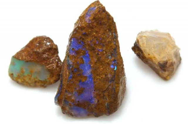 20 CTS YOWAH OPAL ROUGH DT-5483