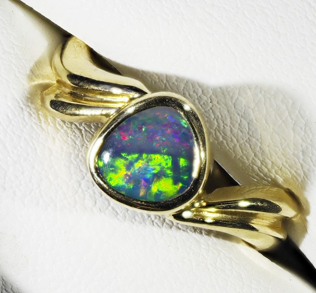 FREE SHIPPING BoulderOpal set in 18k Gold Ring Size 7.5  A 832
