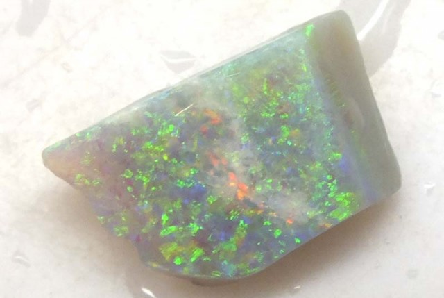 4 CTS WHITE OPAL ROUGH COOBERPEDY DT-5650
