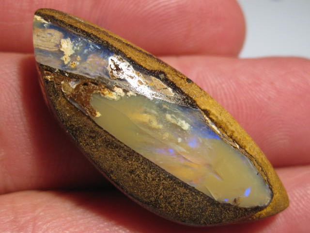 YowahOpals*39.4Cts - Matrix Opal / Opalized Wood