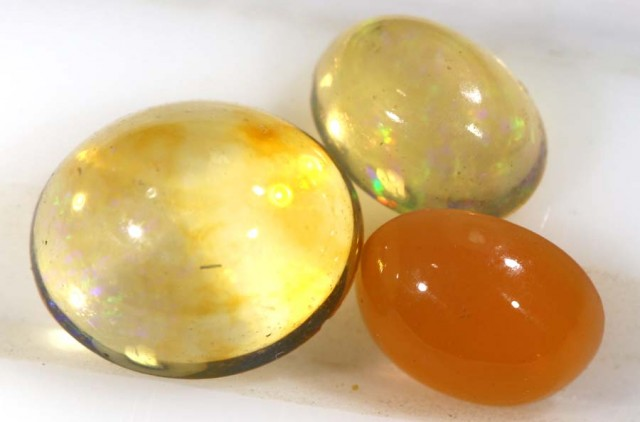 2.05CTS MEXICAN FIRE OPAL PARCEL (3PCS) ANO-09