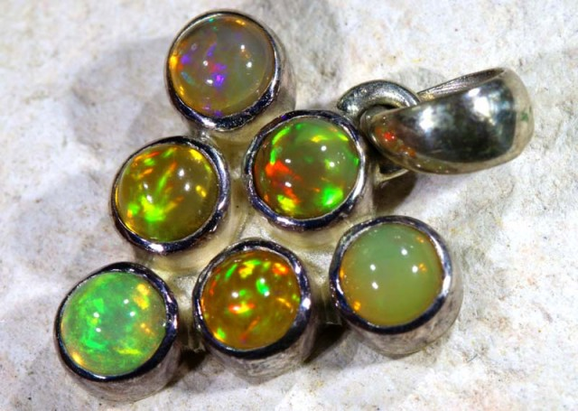 ETHIOPIAN OPAL SILVER PENDANT  9.7    CTS  OF-1121