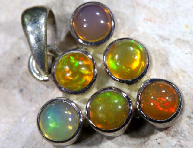 9.95  CTS ETHIOPIAN OPAL SILVER PENDANT   OF-1124