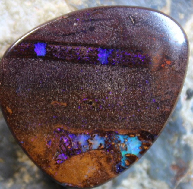 26.30 CTS YOWAH OPAL POLISHED STONE FROM THE OPAL FIELDS D 189