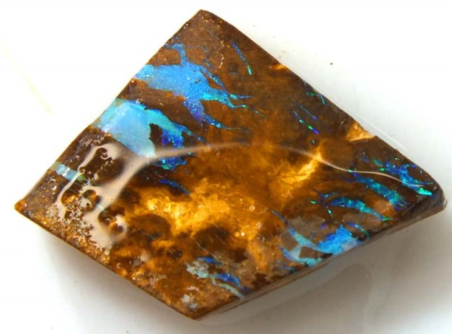 15CTS BOULDEROPAL ROUGH  DT-5764