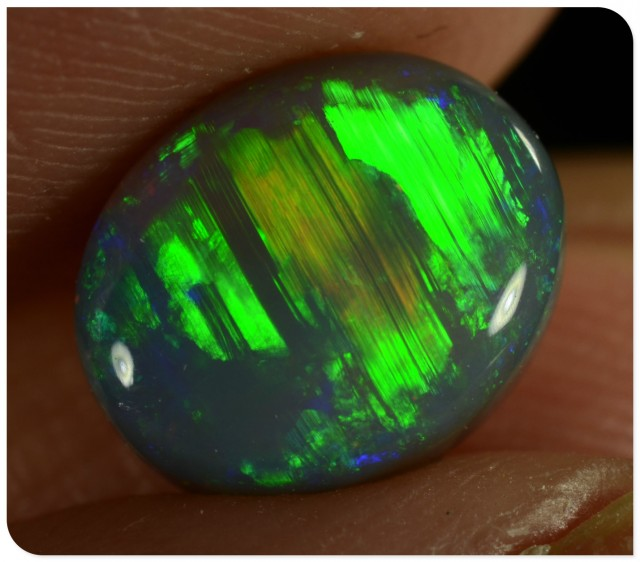 1.80ct Black Opal - ID:20564 Unique Broad Flash Pattern