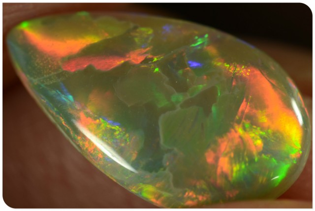 1.45ct Crystal Opal - ID:20179 Rolling Broad flash of red / gold