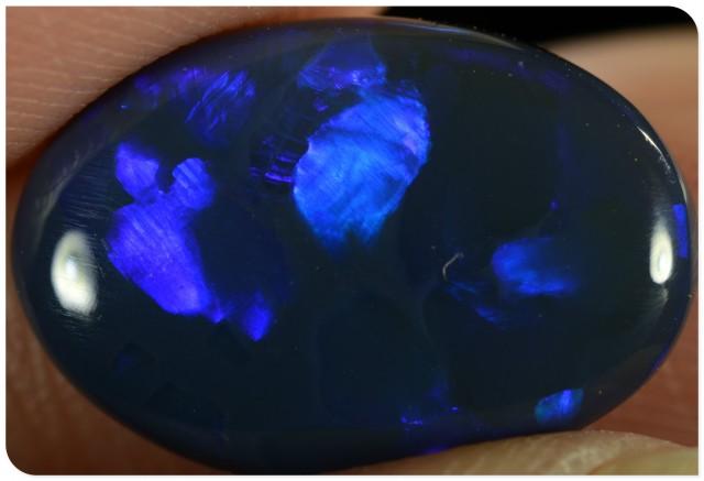 3.15ct Black Opal - ID:20211 Block pattern electric blue