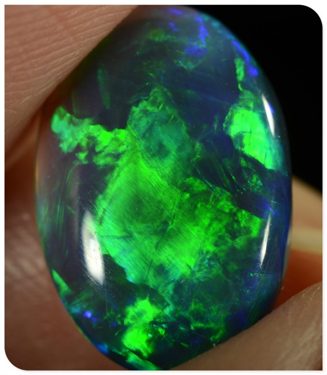 3.55ct Black Opal - ID:20121 One of the best top quality, big oval GEM