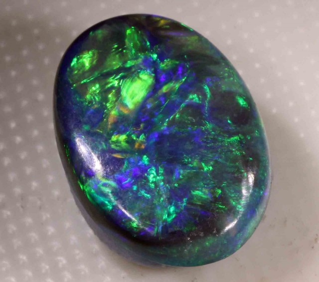 2.67  CTS  BLACK OPAL FROM LR - BRILLIANT
