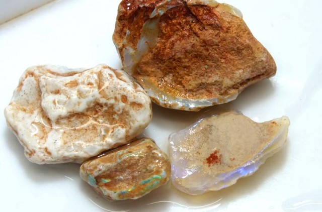 75 CTS OPAL CLAMSHELL PARCEL  FO-576
