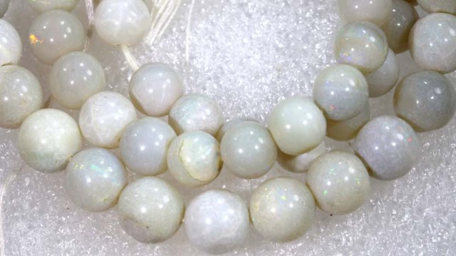 106.40 CTS COOBER PEDY WHITE OPAL BEADS STRANDS TBO-4204