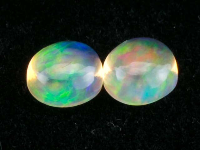 3.42ct Mexican Fire Opal Round Cabochon Pair (MO327-2)