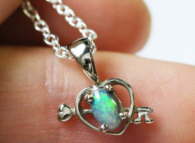 Cute BLACK  Opal Heart shape pendant 18K white gold  BU 1199
