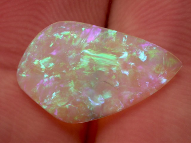5.1ct HIGH QUALITY BRAZILIAN OPAL WITH NICE COLOR PLAY