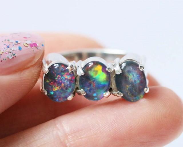 Aussie  Cluster Opal Triplet  in silver Ring size5   BU1246