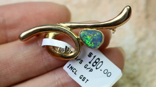 Doublet Opal set in hand made silver Brooch 192276-11