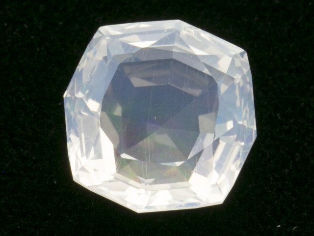 8.5ct Clear Faceted Octagon Mexican Jelly Opal (MO324)