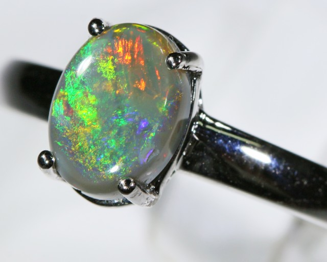 Black opal 18k White Gold Ring size8 BU1505