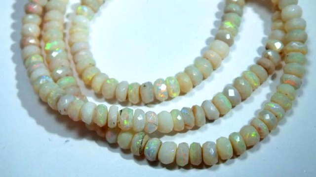 54 CTS COOBER PEDY WHITE OPALBEADS TBO-4460