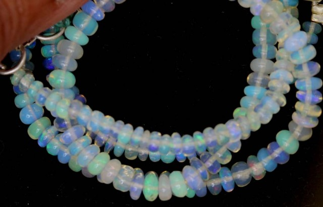 34 CTS ETHIOPIAN OPAL BEADS TBO-4470