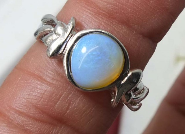 16.30 CTS WHITE OPAL SILVER RING OF-1285