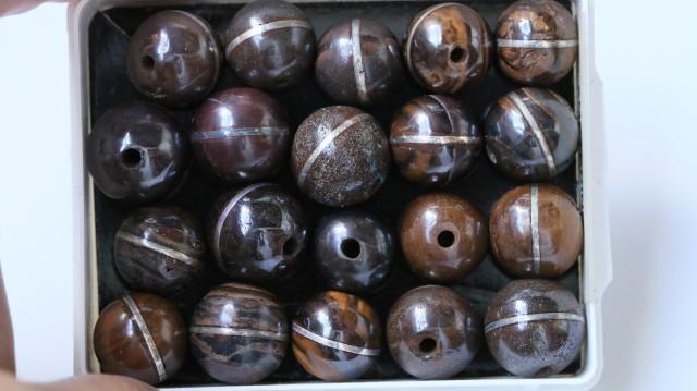 20 focal ironstone silver beads     Bu1531