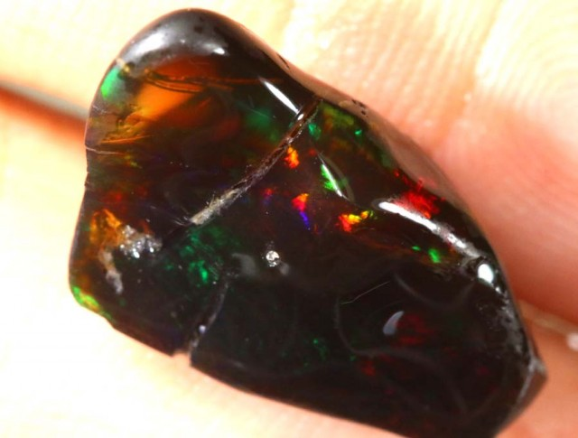 7.90CTS untreated  INDONESIAN OPAL ROUGH- INDO-12