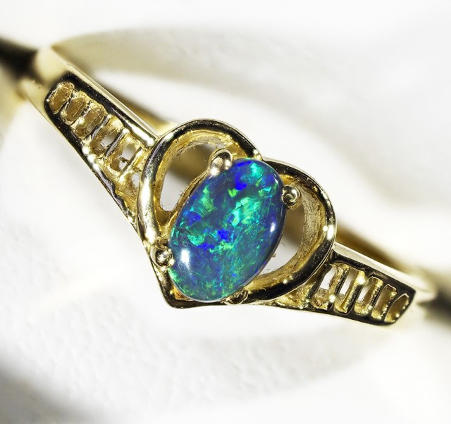 Black Opal  in Heart shape 18k Gold ring Size 6 L1787