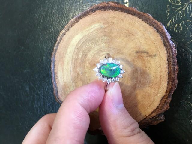 18K White Gold Black opal ring