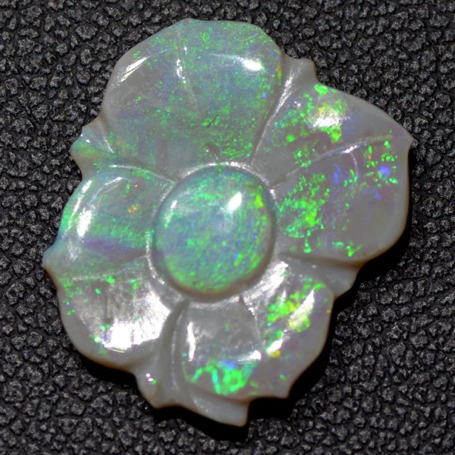 3.51cts Mintabie Opal Carving (R2654)
