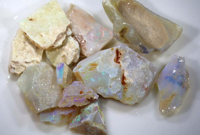 50 CTS COOBER PEDY WHITE OPAL ROUGH DT-6647