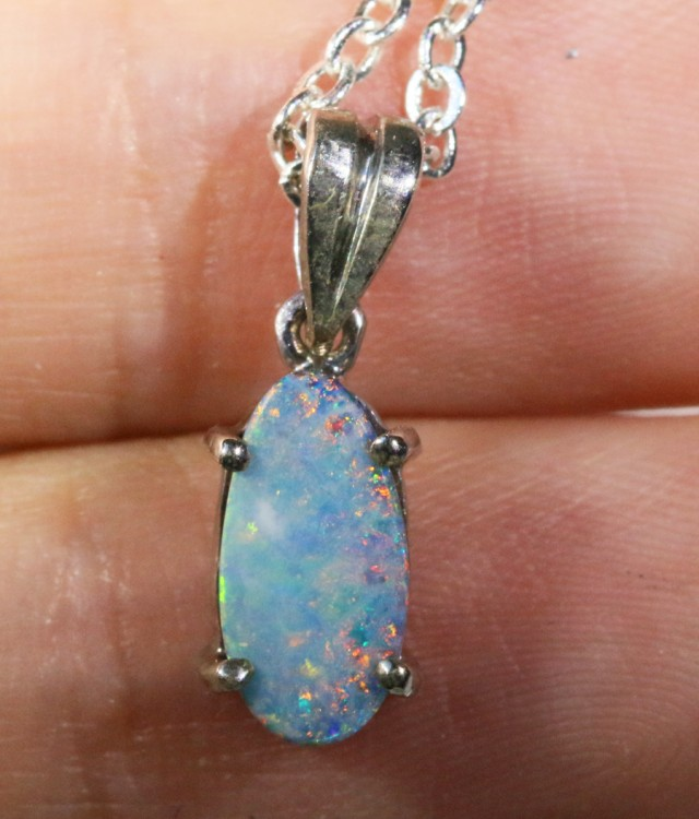 Opal Doublet in silver pendant SCO978