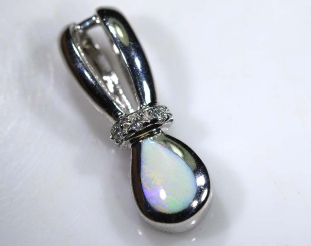 13.5 CTS SILVER DOUBLET OPAL PENDANT OF-1376