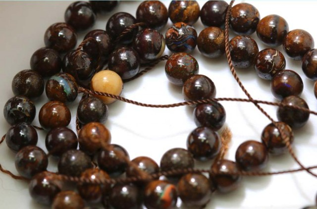 118 CTS BOULDER OPAL BEADS STRANDS TBO-4804