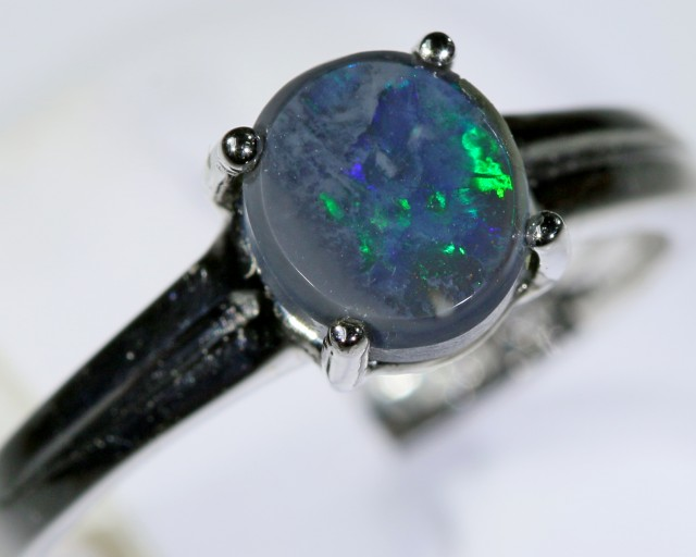 Black opal 18k White Gold Ring size 7  BU1497