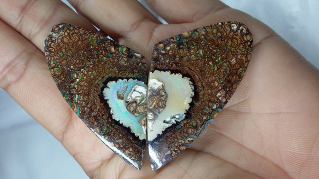 171.35 CT  PAIR KOROIT OPALS     SP001