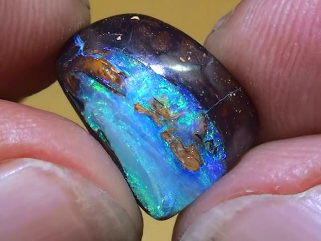 7.20 ct Gem Blue Green Oplaised Wood Solid Boulder Opal