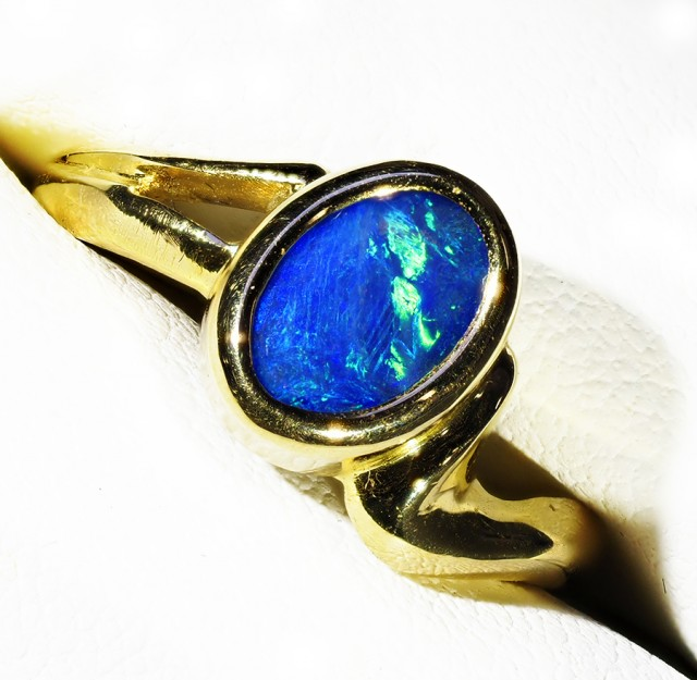 SOLID  BLACK OPAL 18K GOLD RING SIZE 6.5 A831