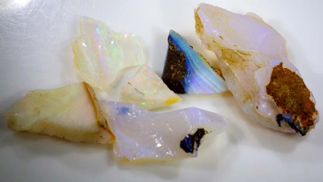 40.10 CTS CRYSTAL OPAL ROUGH DT-6840